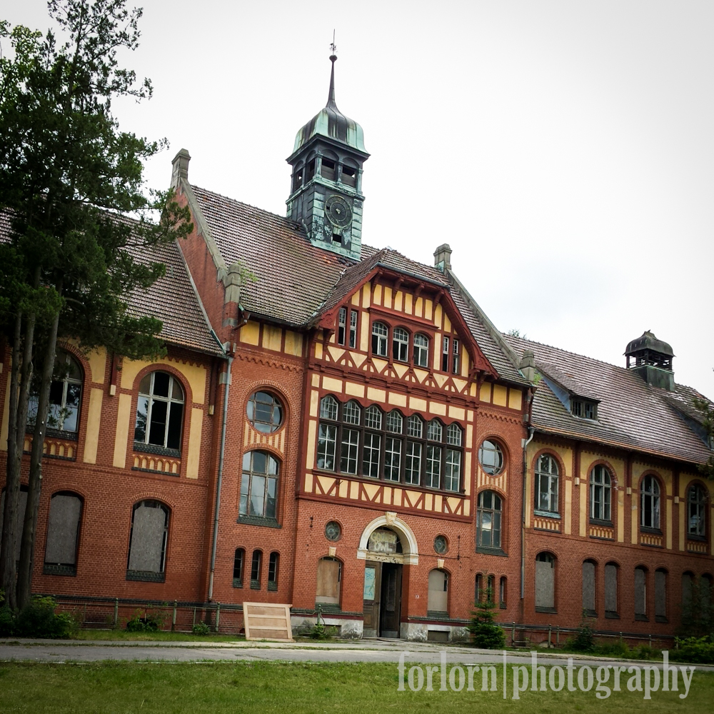 This is the first building we explored, and one of the most beautiful.  It's the Central Bathhouse, built in 1902.  Camera: Samsung Galaxy S4