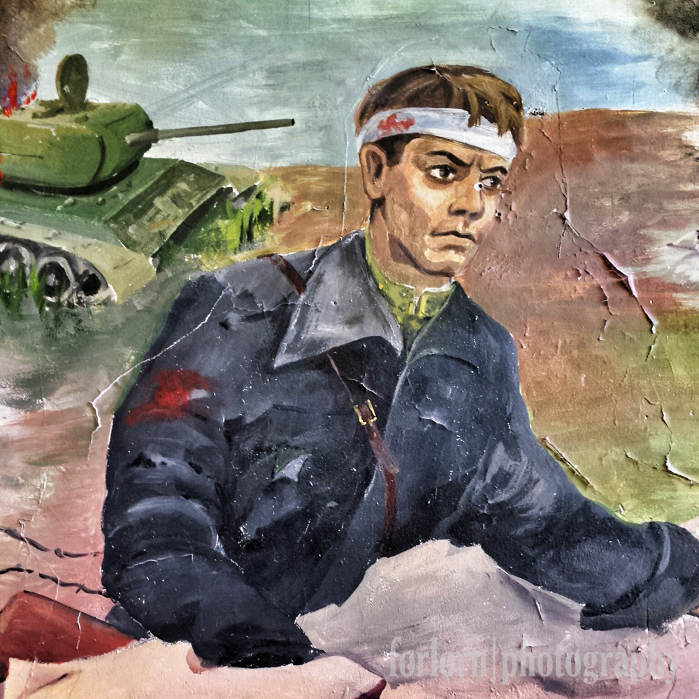 Close-up of a wounded Soviet soldier in the mural. (Camera: Samsung Galaxy S4)